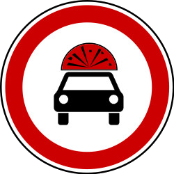 Traffic sign of Bosnia-Herzegovina: Vehicles with explosive materials prohibited