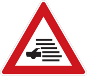 Traffic sign of Czech: Warning of poor visibility due to <a href='/en/czech/overview/rain'>rain</a>, <a href='/en/czech/overview/fog'>fog</a> or <a href='/en/czech/overview/snow'>snow</a>