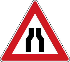 Traffic sign of Czech: Warning for a road narrowing
