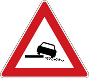 Traffic sign of Czech: Warning for a soft verge