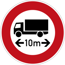 Traffic sign of Germany: Vehicles longer than indicated prohibited