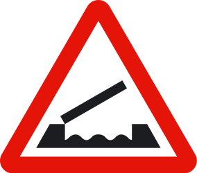 Traffic sign of Spain: Warning for a movable bridge