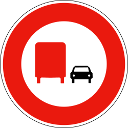 Traffic sign of France: Overtaking prohibited for trucks