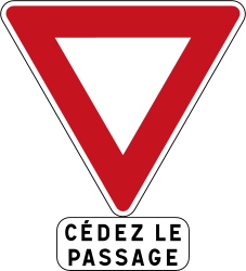 Traffic sign of France: Give way to all drivers
