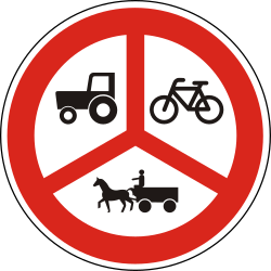 Traffic sign of Hungary: Cyclists, horse carts and tractors prohibited