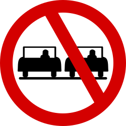 Traffic sign of Ireland: Overtaking prohibited