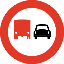 Traffic sign of Norway: Overtaking prohibited for trucks