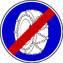 Traffic sign of Serbia: Removing snow chains mandatory