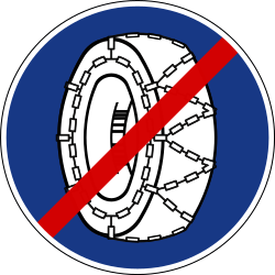 Traffic sign of Slovenia: Removing snow chains mandatory
