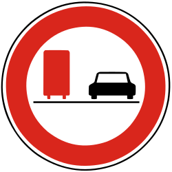 Traffic sign of Slovakia: Overtaking prohibited for trucks