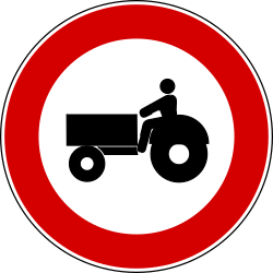 Traffic sign of Turkey: Tractors prohibited