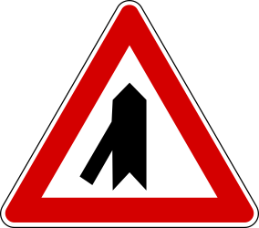 Traffic sign of Turkey: Warning for a <a href='/en/turkey/overview/crossroad'>crossroad</a> with a sharp side road on the left