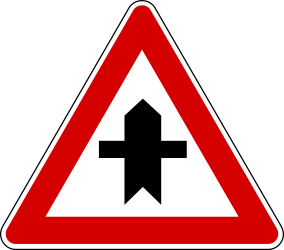 Traffic sign of Turkey: Warning for a <a href='/en/turkey/overview/crossroad'>crossroad</a> side roads on the left and right