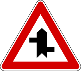 Traffic sign of Turkey: Warning for a <a href='/en/turkey/overview/crossroad'>crossroad</a> where the roads are not opposite to each other
