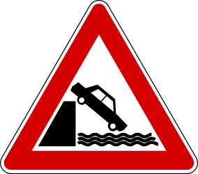Traffic sign of Turkey: Warning for a <a href='/en/turkey/overview/quay'>quayside</a> or riverbank