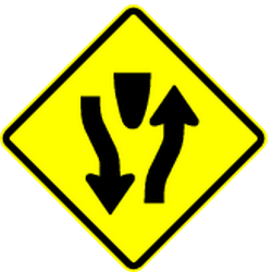 Traffic sign of Panama: Warning for a divided road