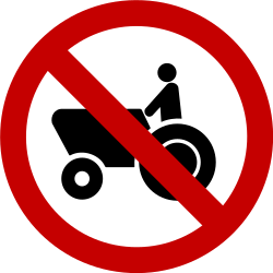 Traffic sign of Brazil: Tractors prohibited