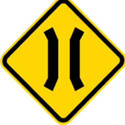 Traffic sign of Brazil: Warning for a narrowing