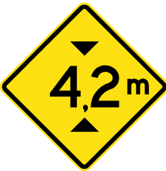 Traffic sign of Chile: Warning for a limited height