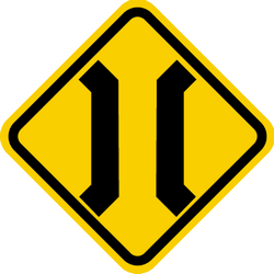 Traffic sign of Colombia: Warning for a narrowing