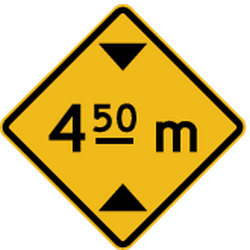 Traffic sign of Peru: Warning for a limited height