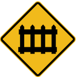 Traffic sign of Peru: Warning for a railroad crossing with barriers